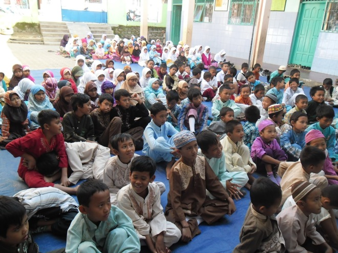 Peserta Pesantren Kilat MI Al Falahiyah Plompong Ramadhan 1434 H.JPG